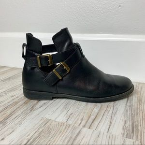 Bella Vita Shoes - Bella Vita leather ankle boots with buckle straps